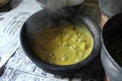 Ein fertiges Kartoffelcurry