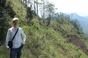 Hier bin ich in den Bergen Sri Lankas unterwegs